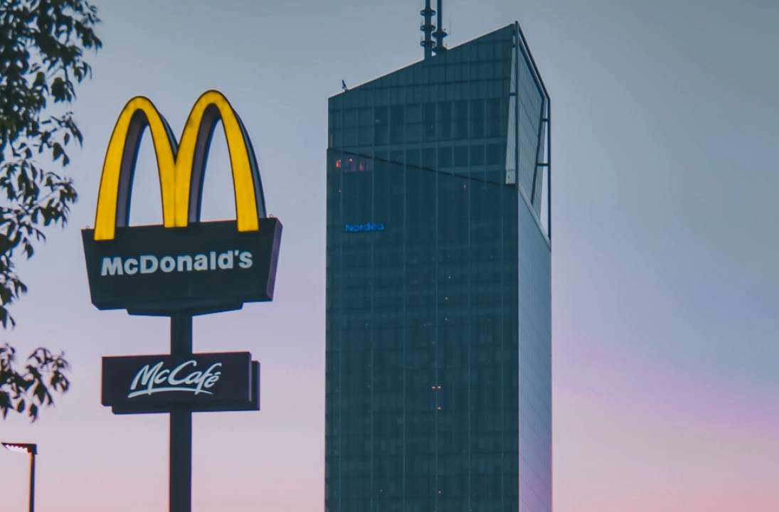 McDonald's pause walk-in takeaways in lockdown