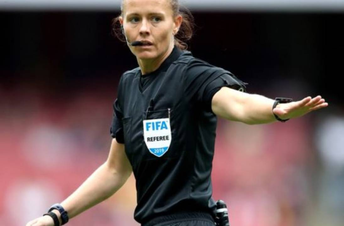Managers praise Rebecca Welch – the first woman to referee EFL game